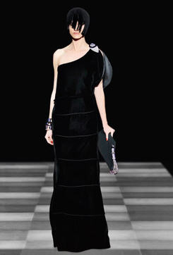 Super modne kreacje wieczorowe - SUKNIE KARNAWA�OWE