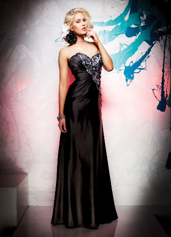 Super modne kreacje wieczorowe - sukienki karnawałowe
